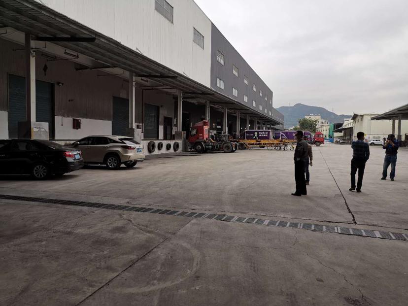 深圳观澜6000平米物流仓库出租,带卸货平台,丙二类消防