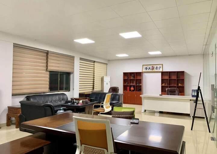 万江中心地段办公室可分租图片4