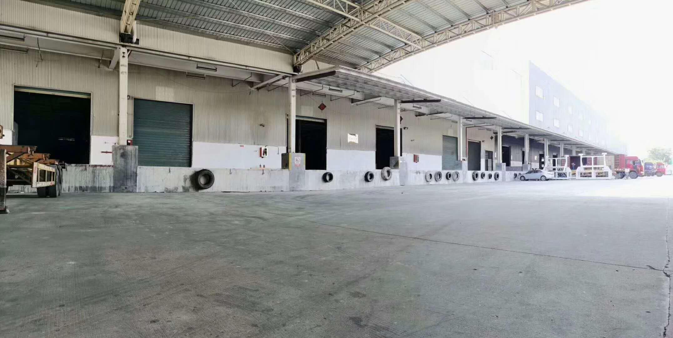 横岗新出标准物流仓库10000平,带标准卸货平台和消防喷淋