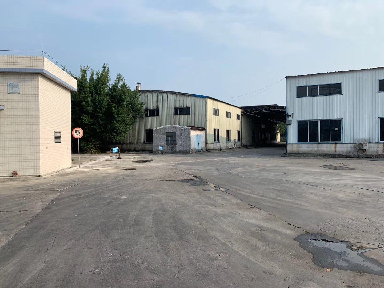 白云区江高镇神山大道西附近独门独院砖墙到顶单一层钢构厂房出租