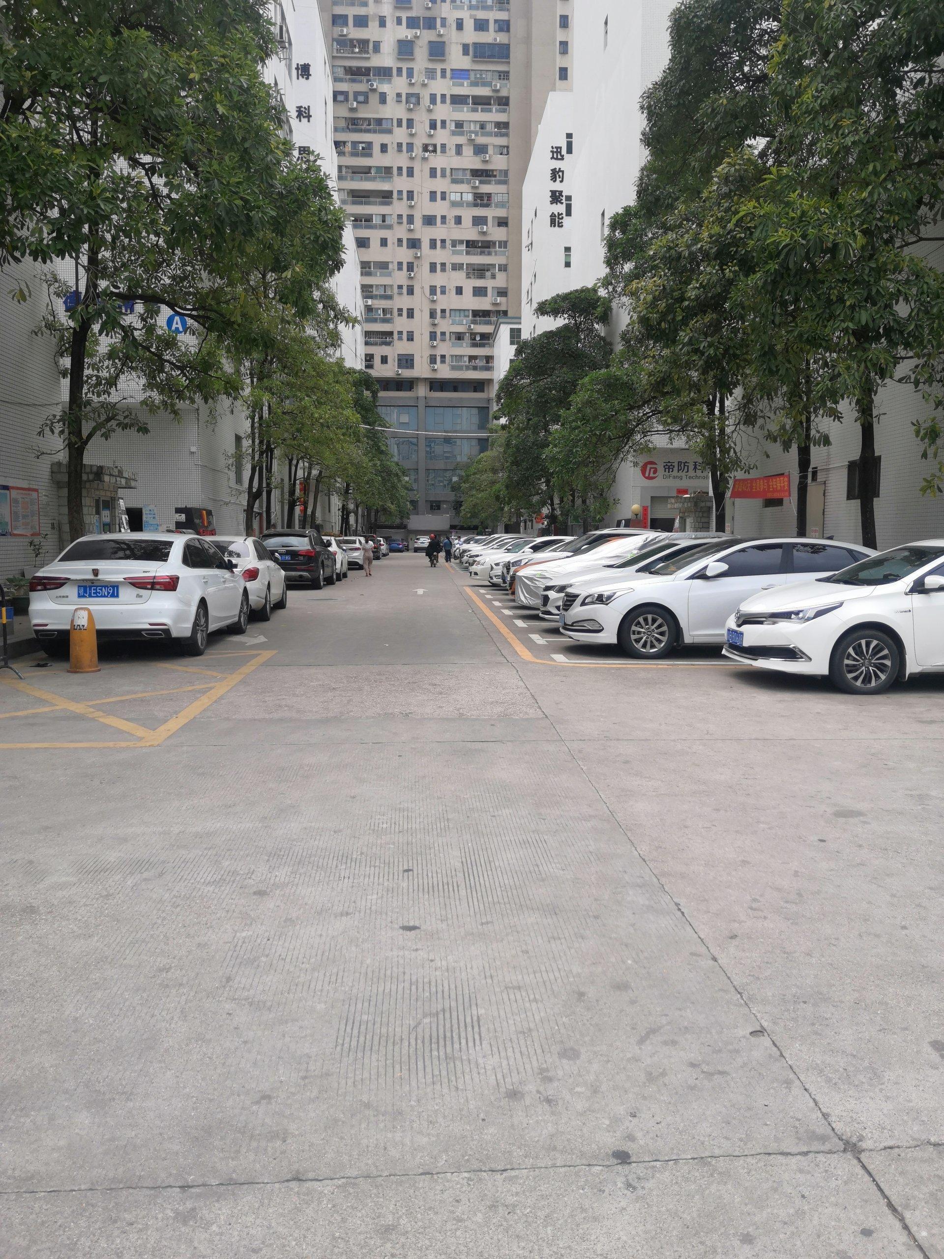 龙华大浪商业中心旁580平方标准厂房,现成办公室,车间,仓库