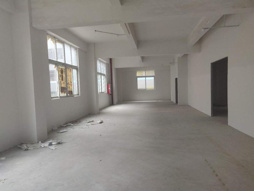 龙岗龙东小厂房130、180平各种大小面积出租!