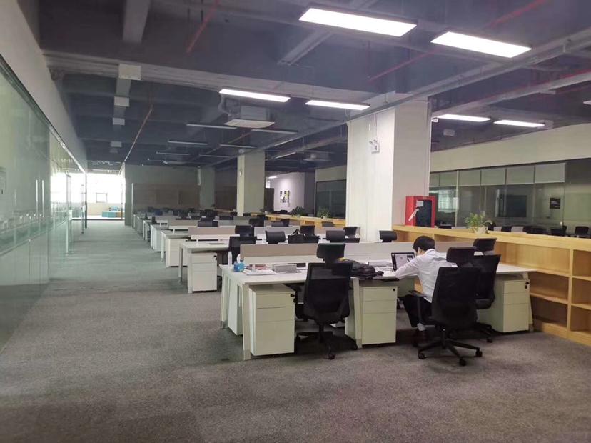 福永国道边3200平米带装修厂房出租,适合做办公室加仓库