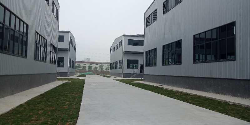花都区炭步镇,单一层大面积高台仓库。全新厂房空地大形象好