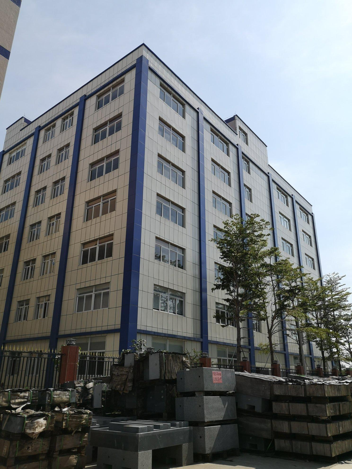 龙岗新出精装修楼上500平厂房免专让费可办公可做电商仓库