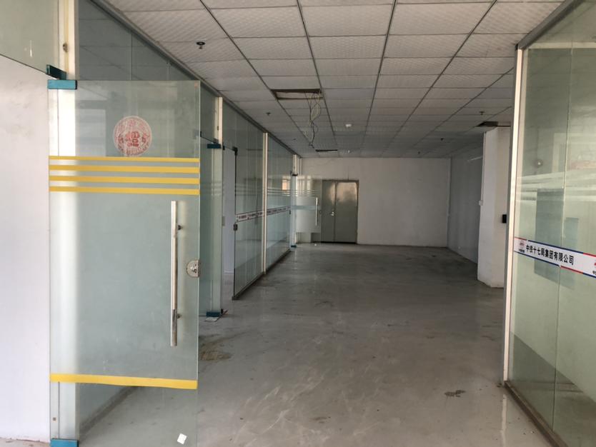 坪山石井路口办公室厂房仓库450平方出租带装修