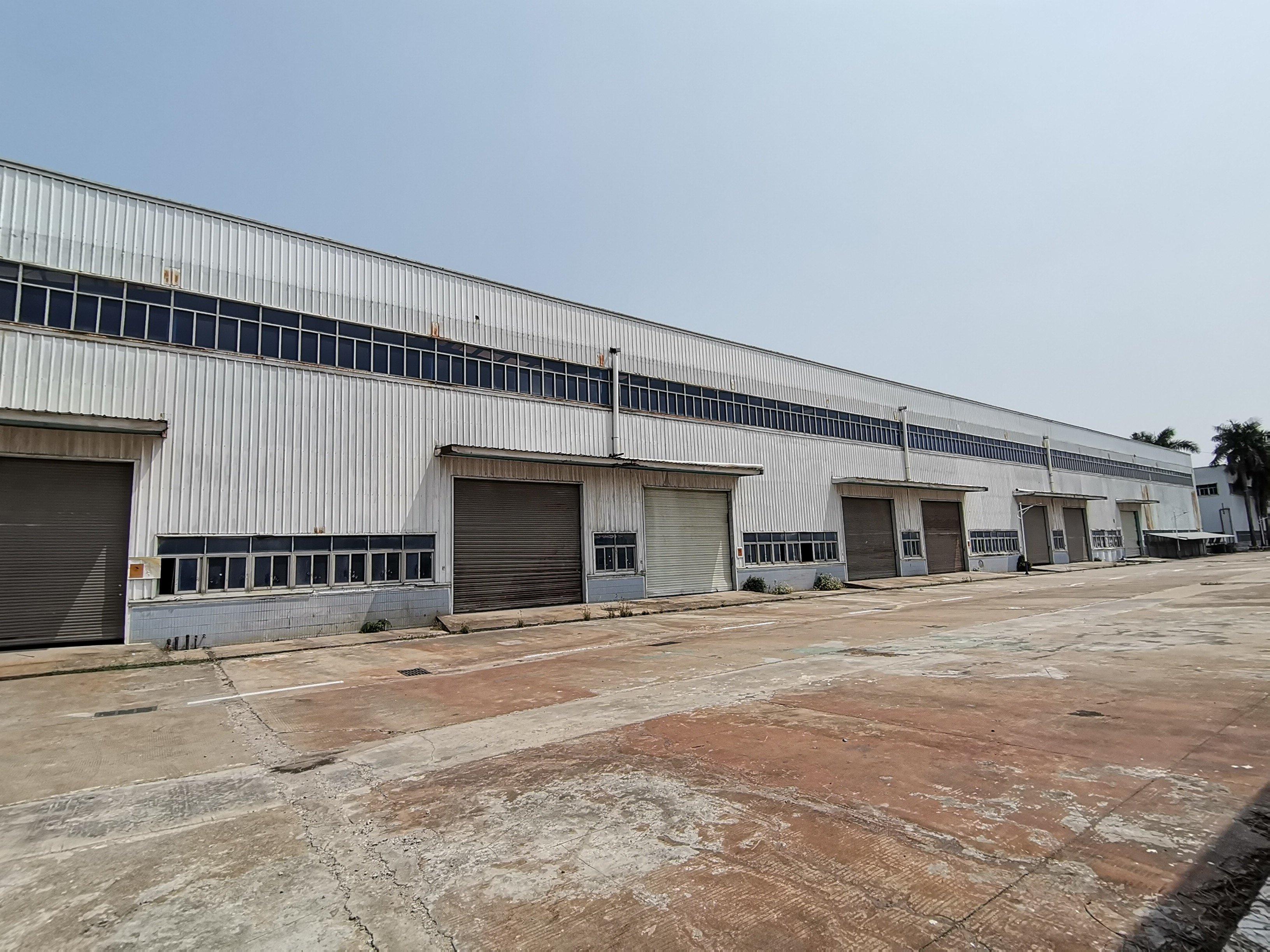 深圳市坪山区聚龙山超大型钢结构厂房仓库出租,高度8米,