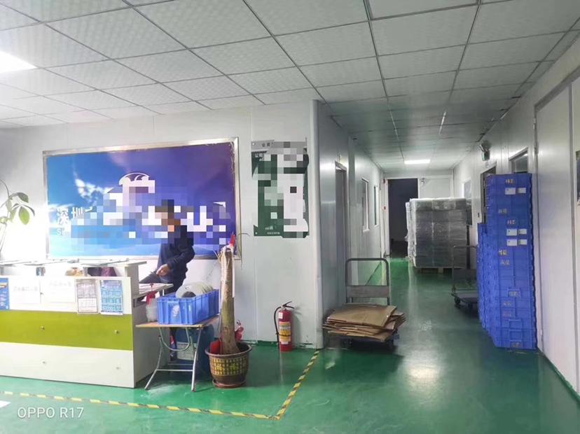 沙井与松岗交界处,新出楼上三楼精装修1400平方千级无尘车!