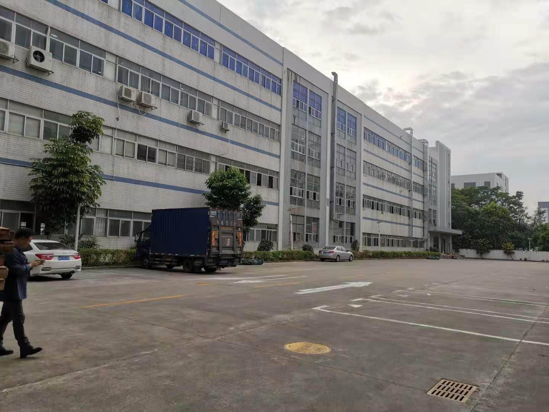 坪山附近新出花园式一楼厂房1200平方出租高度5.5米
