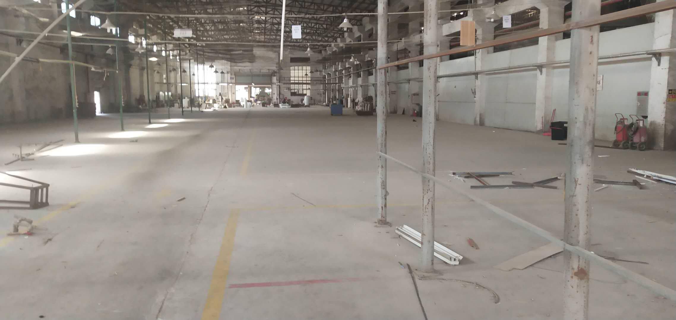 平湖新出一楼钢构厂房3000平米,适合做仓库物业流等