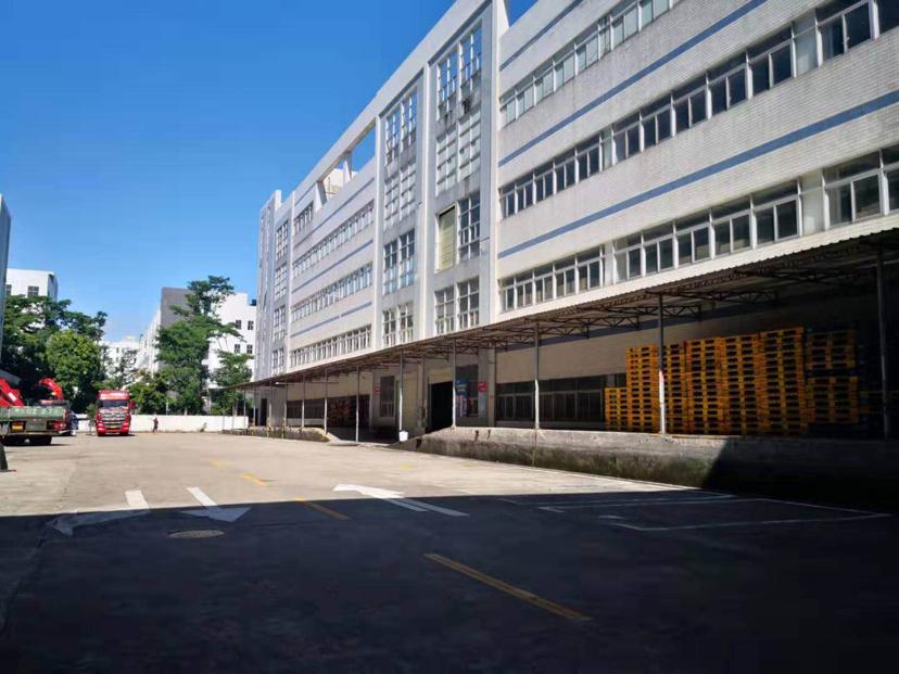 深圳市龙岗区原房东一楼标准厂房出租3000平带卸货平台形象好