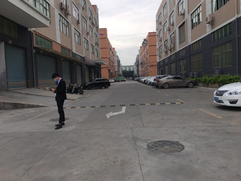 福永一楼物流仓库,原房东带红本,空地大,有卸货平台。