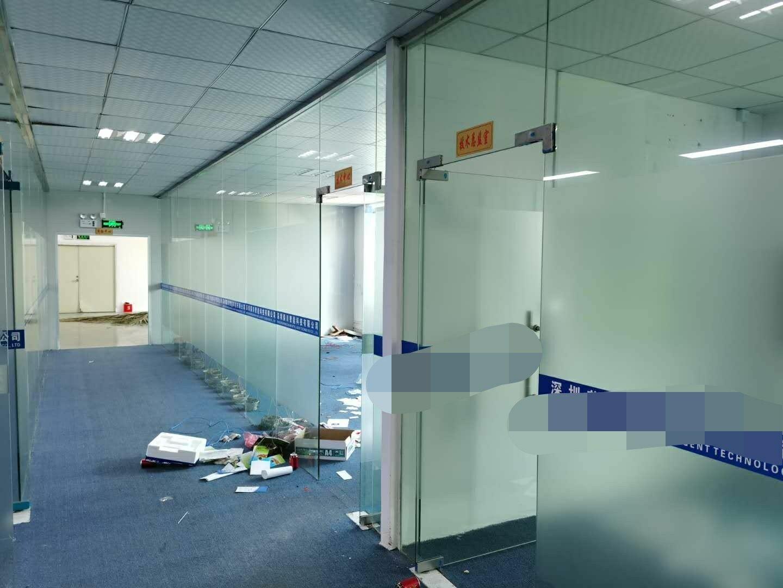 深圳龙华清湖轻轨站旁边新出精装修带办公室厂房780平出租-图3