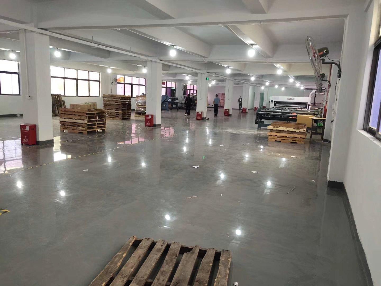 西乡鹤州楼上1300平带精装厂房直接可生产