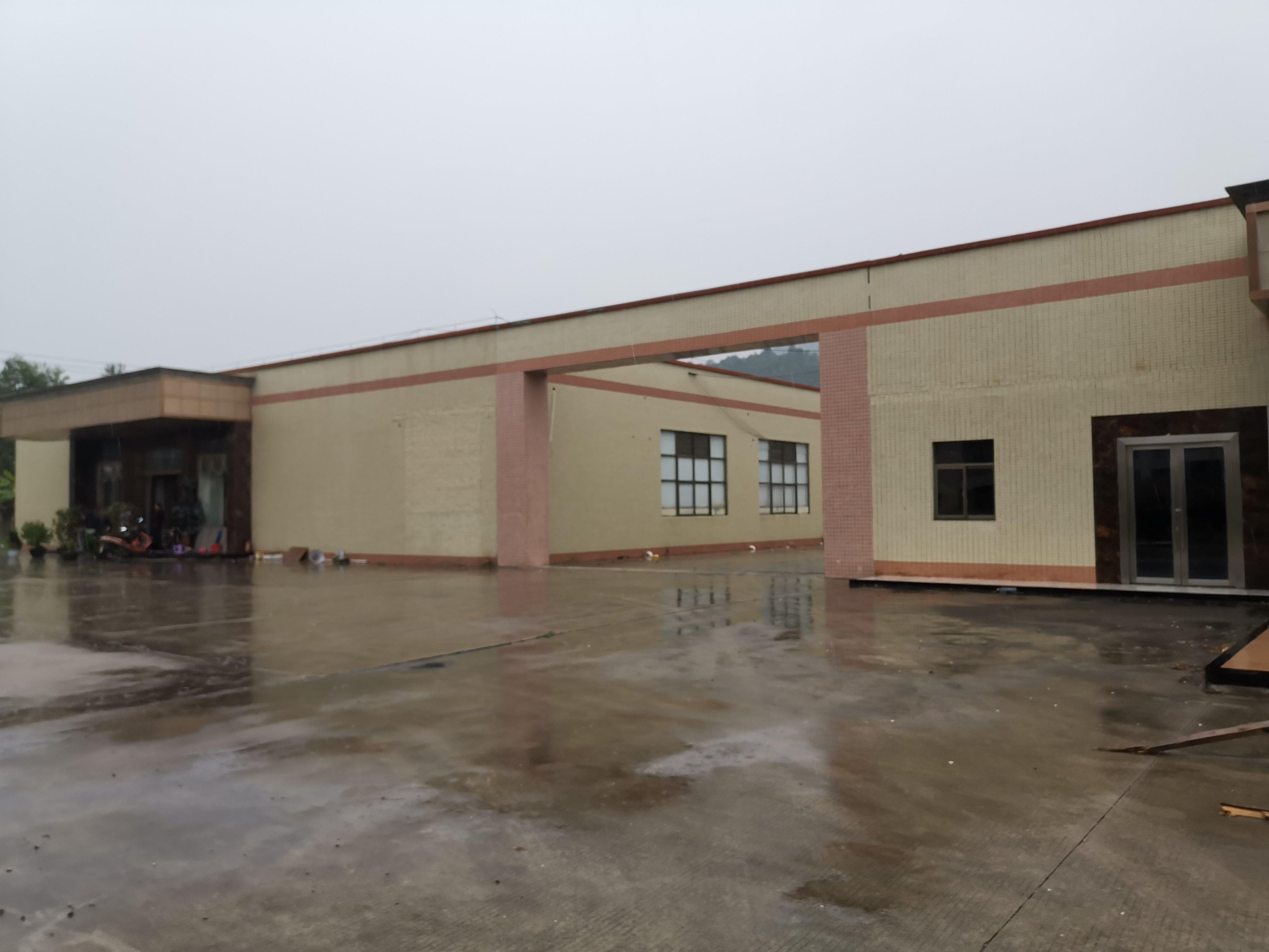 惠阳区镇隆高速出口10000平米单层厂房,空地17800平米