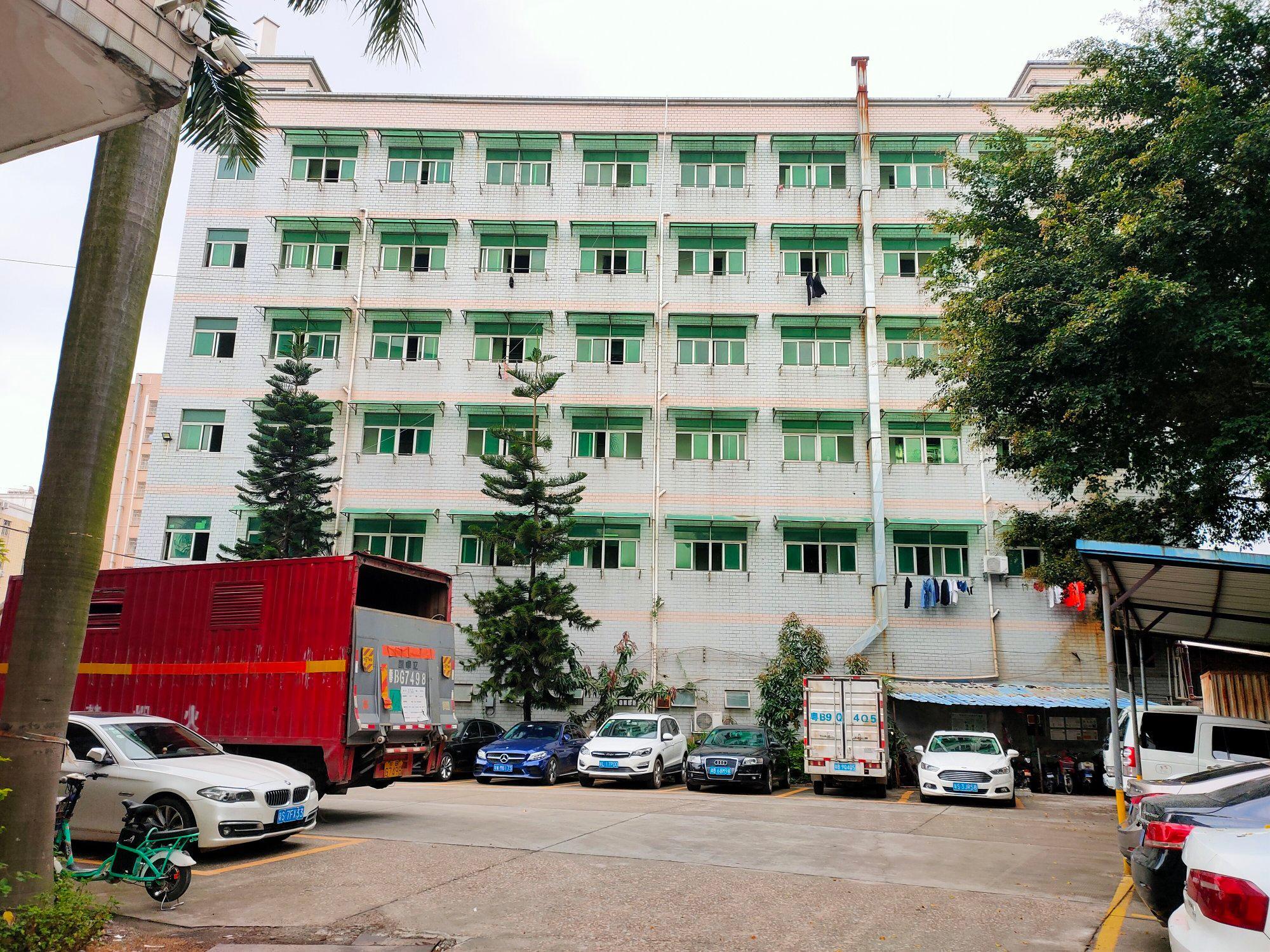 观澜马路边上章阁楼上750平带装修宿舍按需