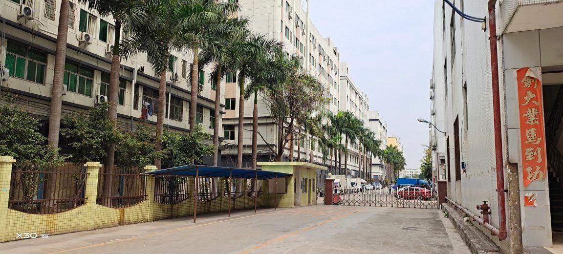 福永和平原房东整栋9000平方厂房可分租