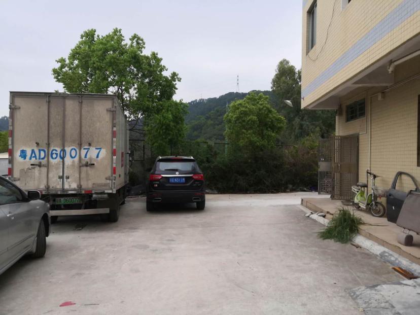 石岩外环路主干道上新出小面积厂房一楼出租400平适合办公仓库