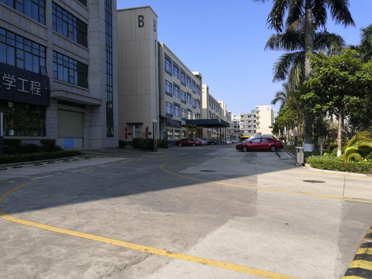 坪山大工业区红本产权花园式三楼510平米出租无尘车间带办公