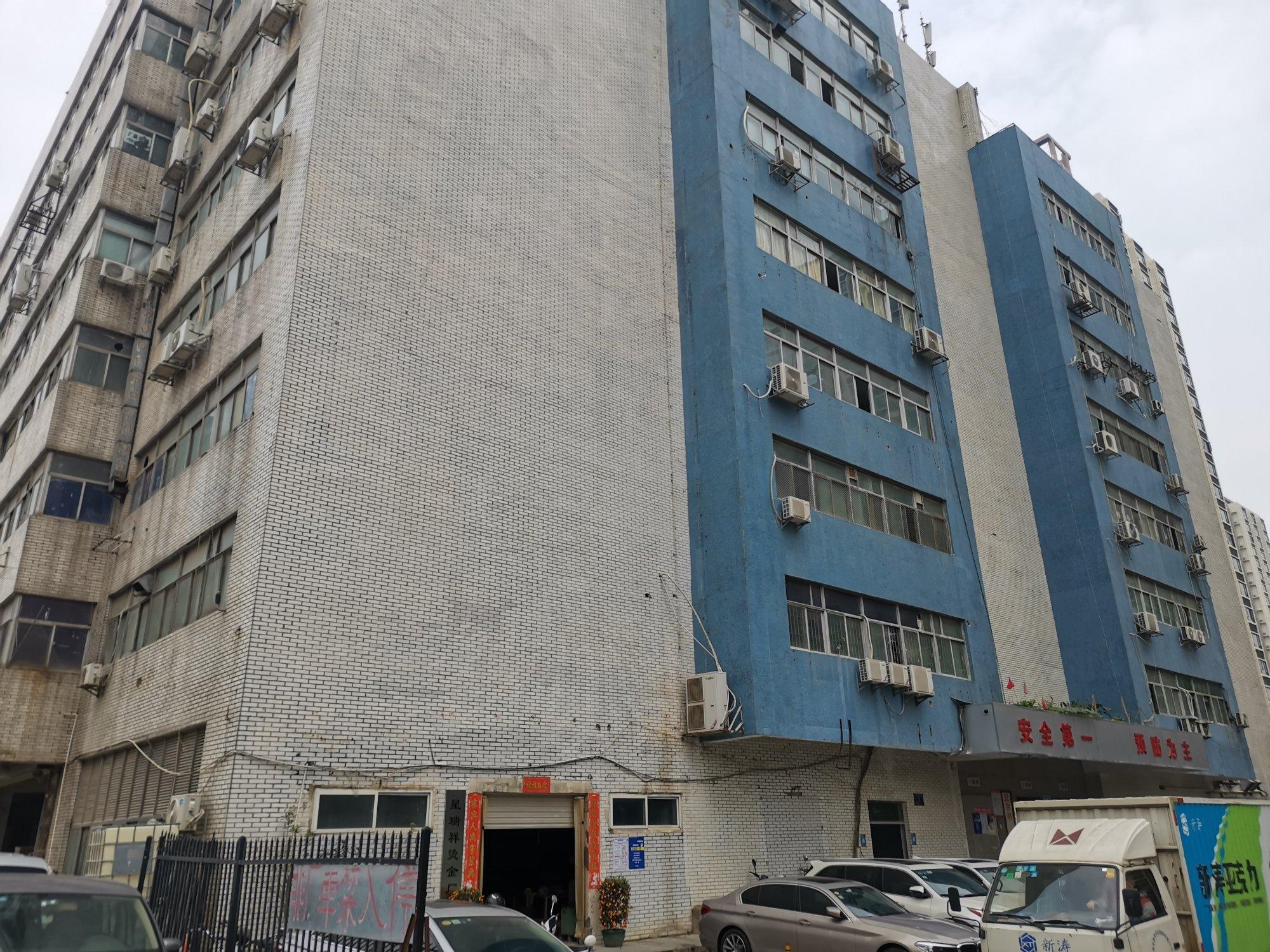 福永楼上精装修原房东厂房1500平免转让费-图3