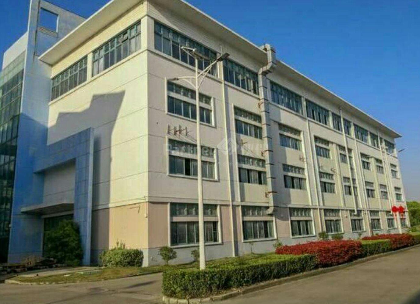 广州新塘建筑面积2200平米国有证厂房出售位于大马路旁