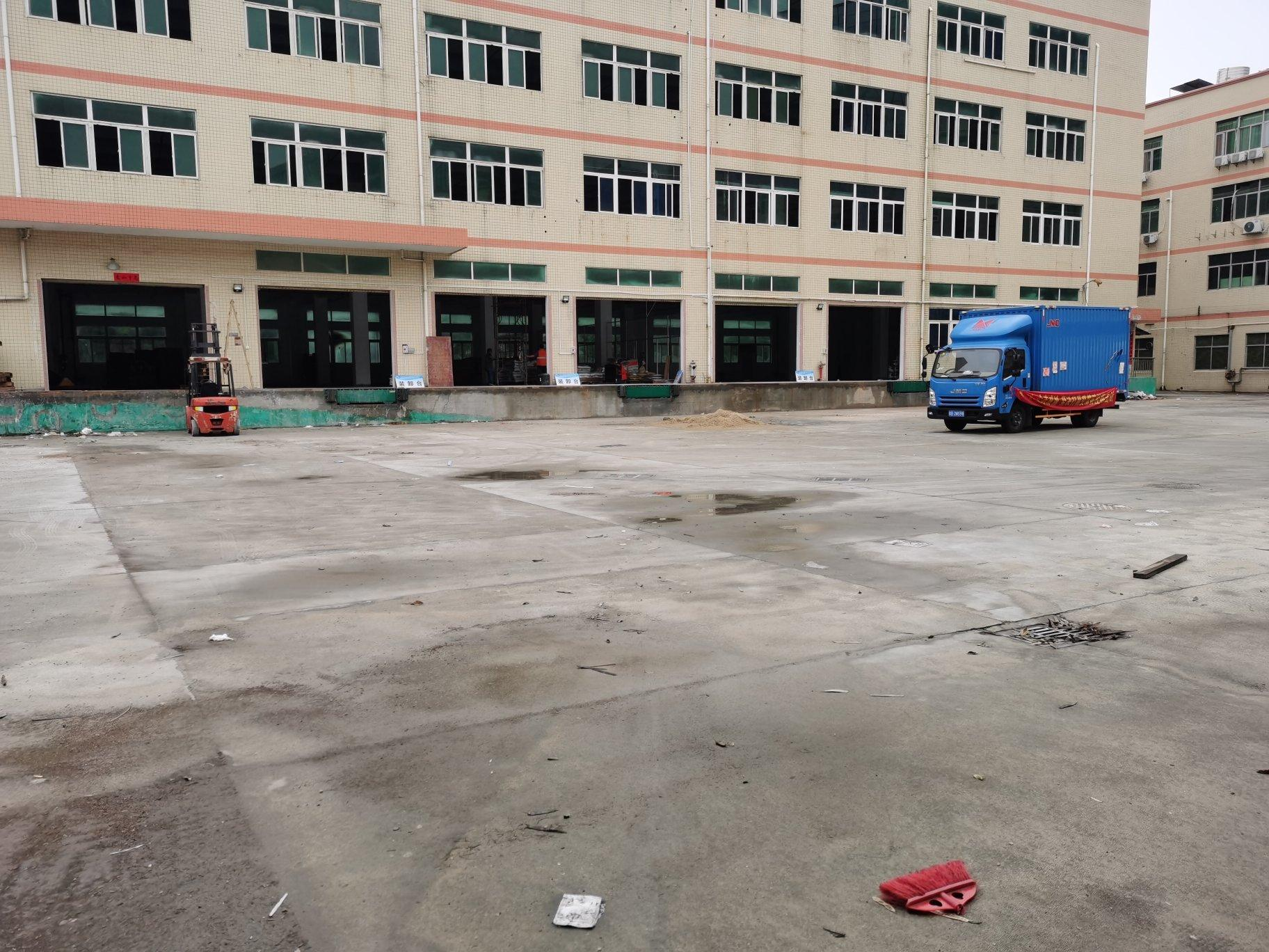 福永107国道新出带卸货平台2000平物流仓库