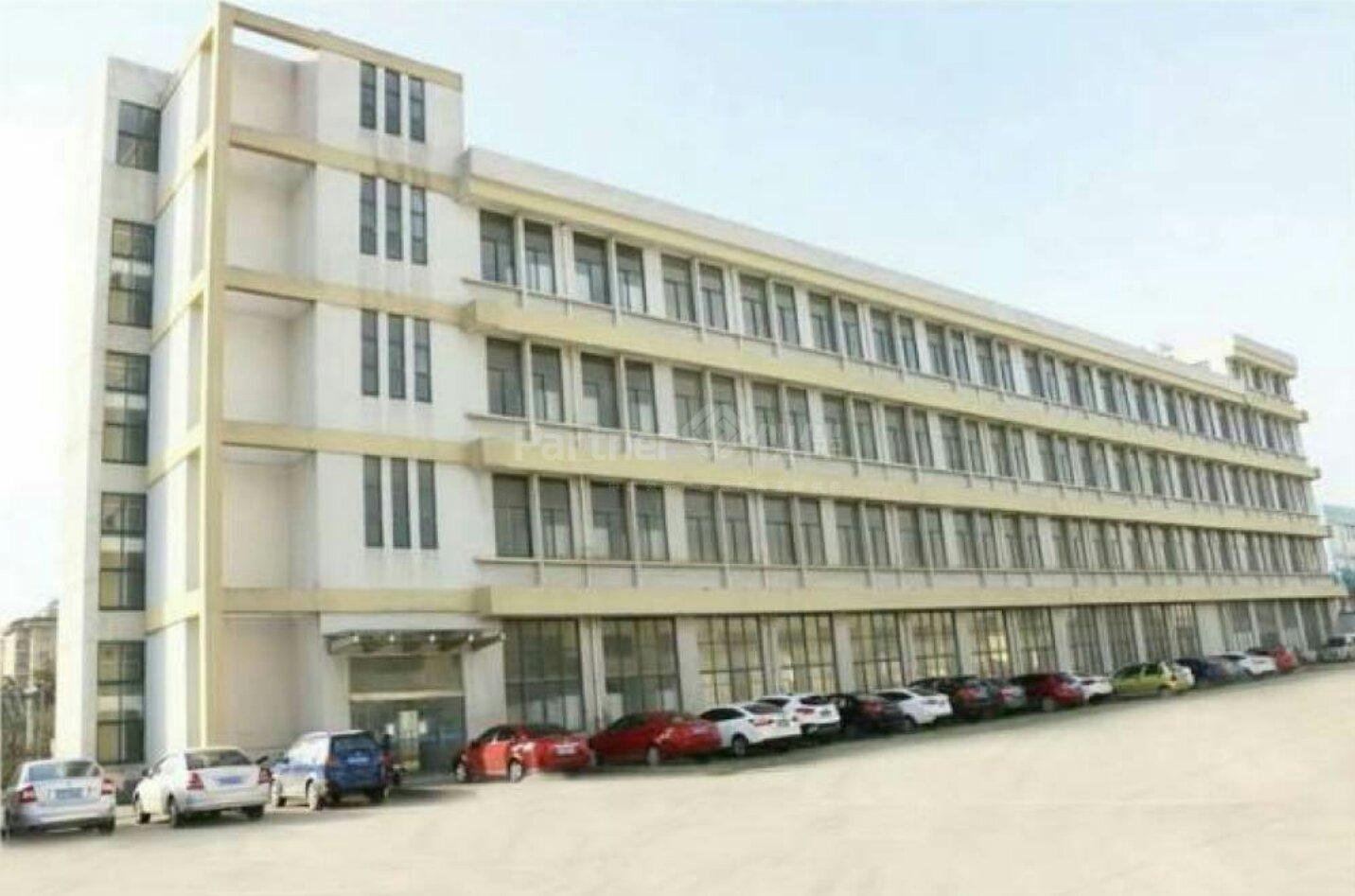 增城区建筑38300平方国有证花园厂房超大空地出售