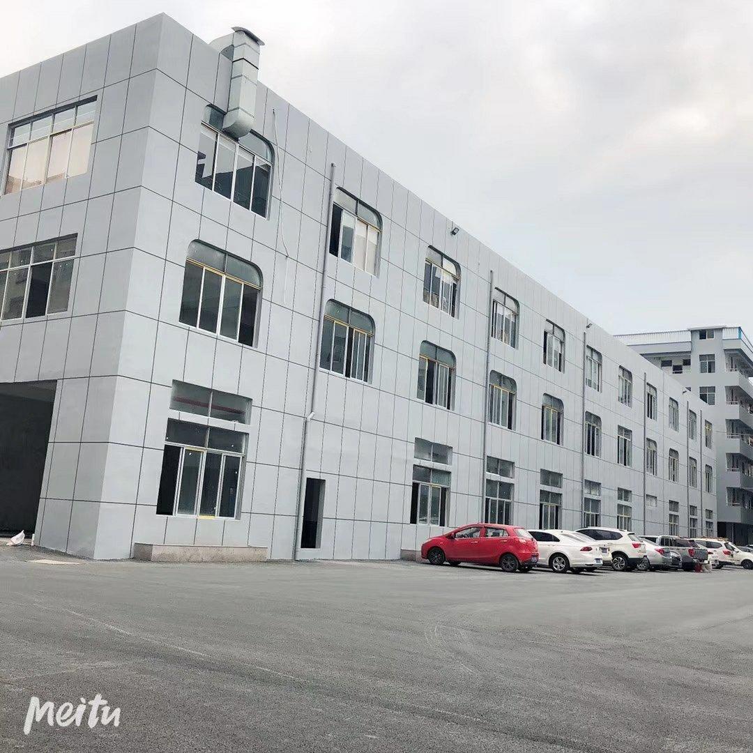 新塘镇新出一楼现成装修1500平方万博app官方下载出租,600可以分租。