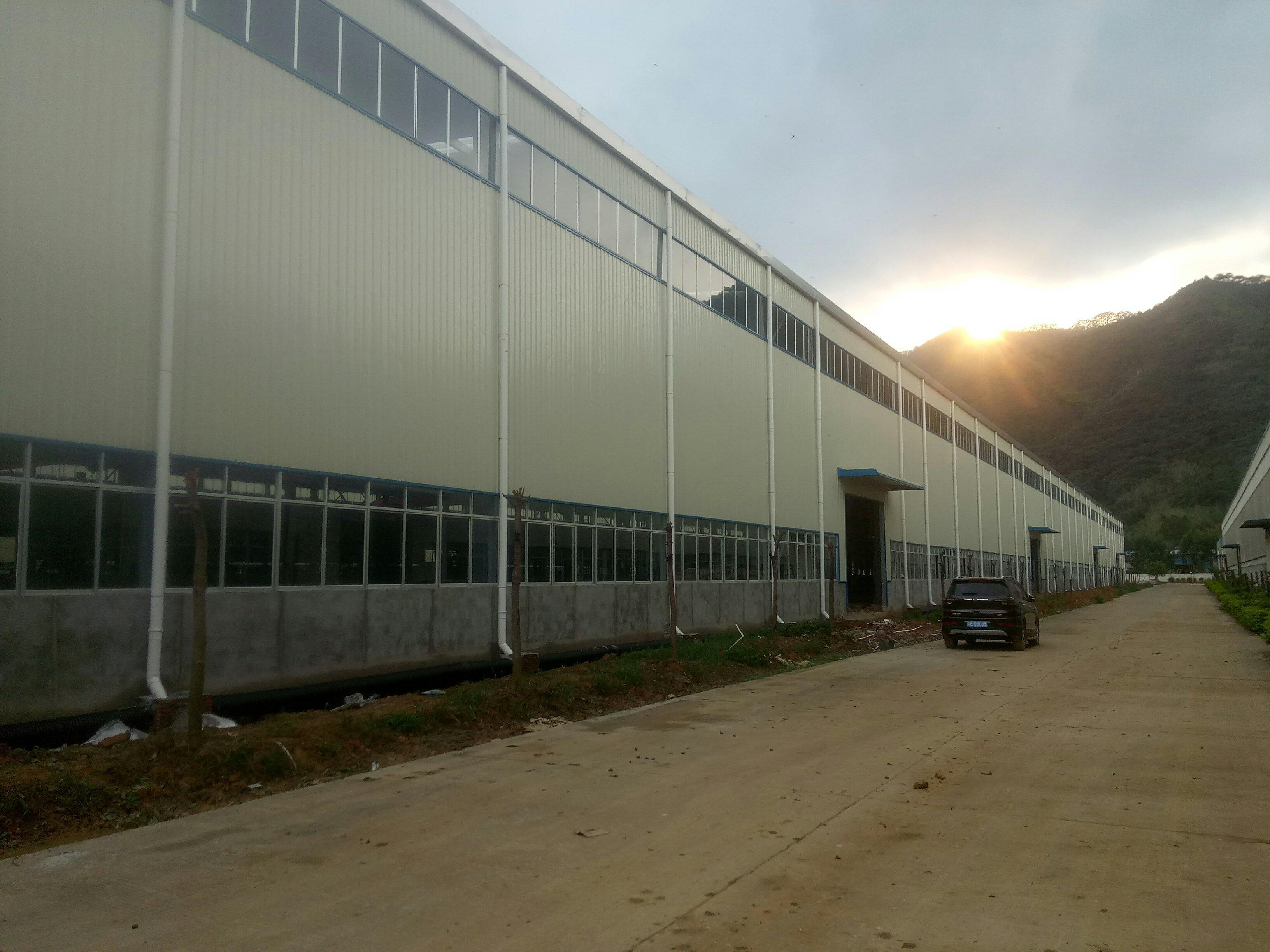三水白坭附近重工业厂房滴水十三米可架二十吨行车