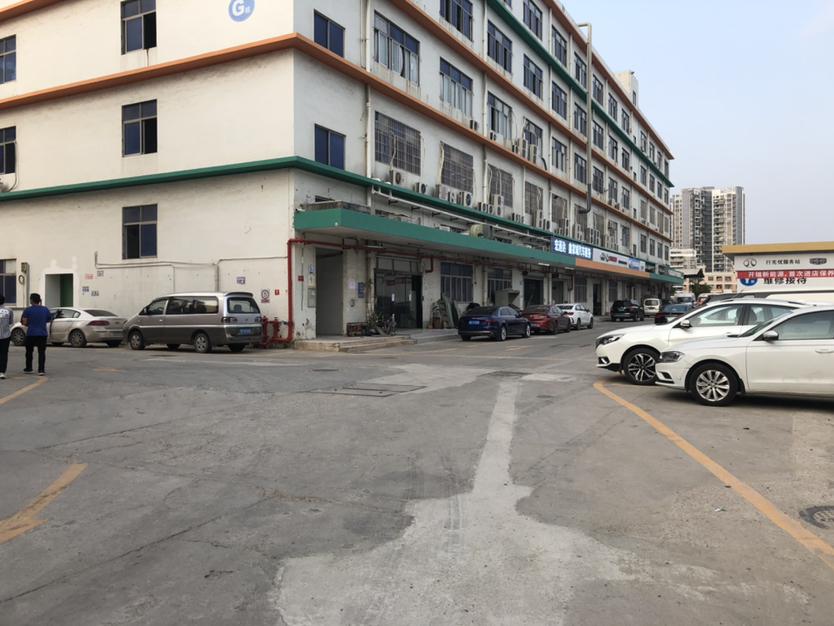 龙岗区横岗六约新出靓盘整层3880可以按照客户要求隔墙分租