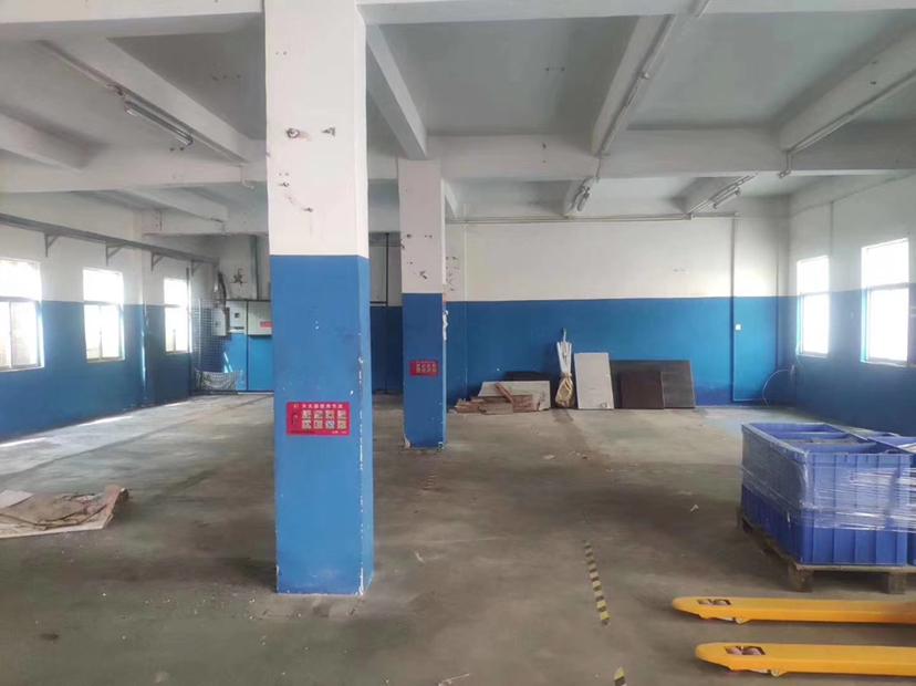 坪地坪西新出一楼标准厂房280㎡报价25元,可做临时仓库