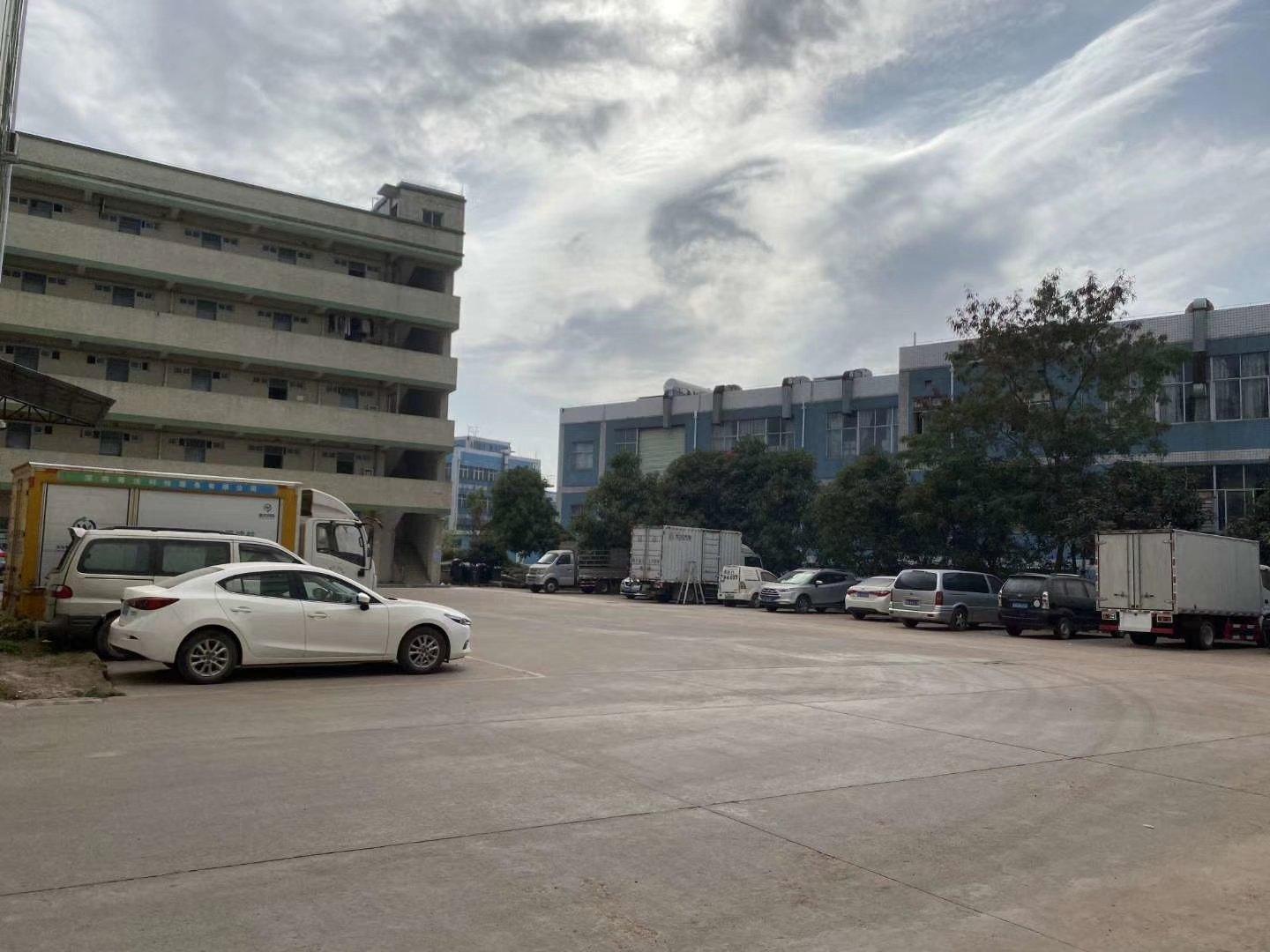 坪山石井工业园厂房二楼1400平米出租,有装修,水电齐全