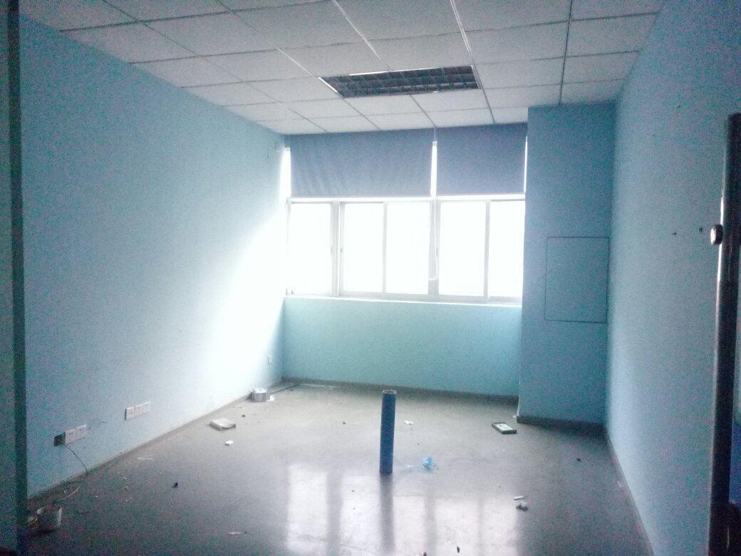 龙华大浪华宁路工业园区楼上1500平带装修办公+车间仓库厂房