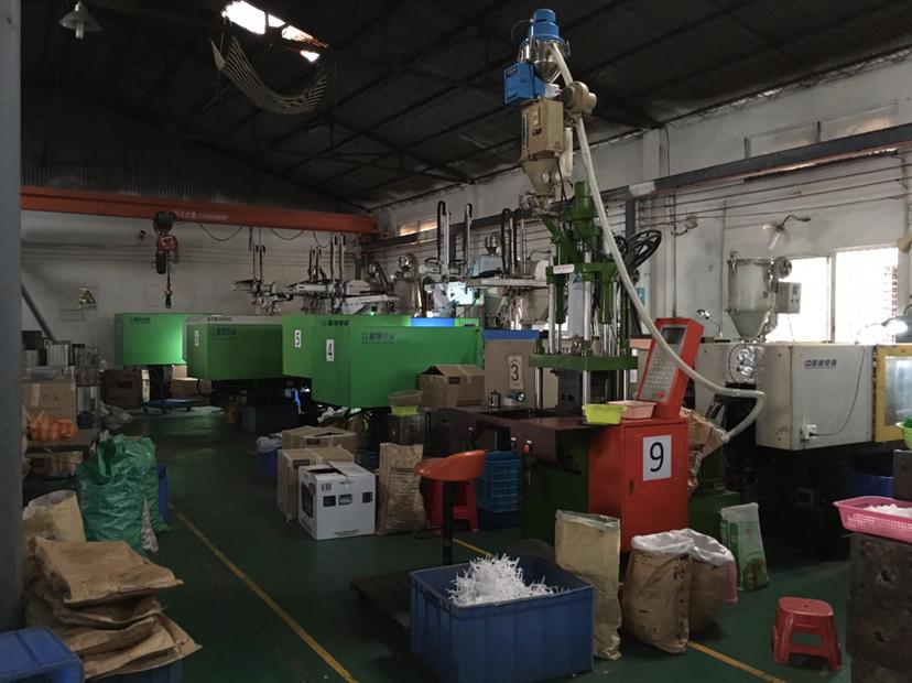 容桂容里麻将城附近单一层400方厂房出租。