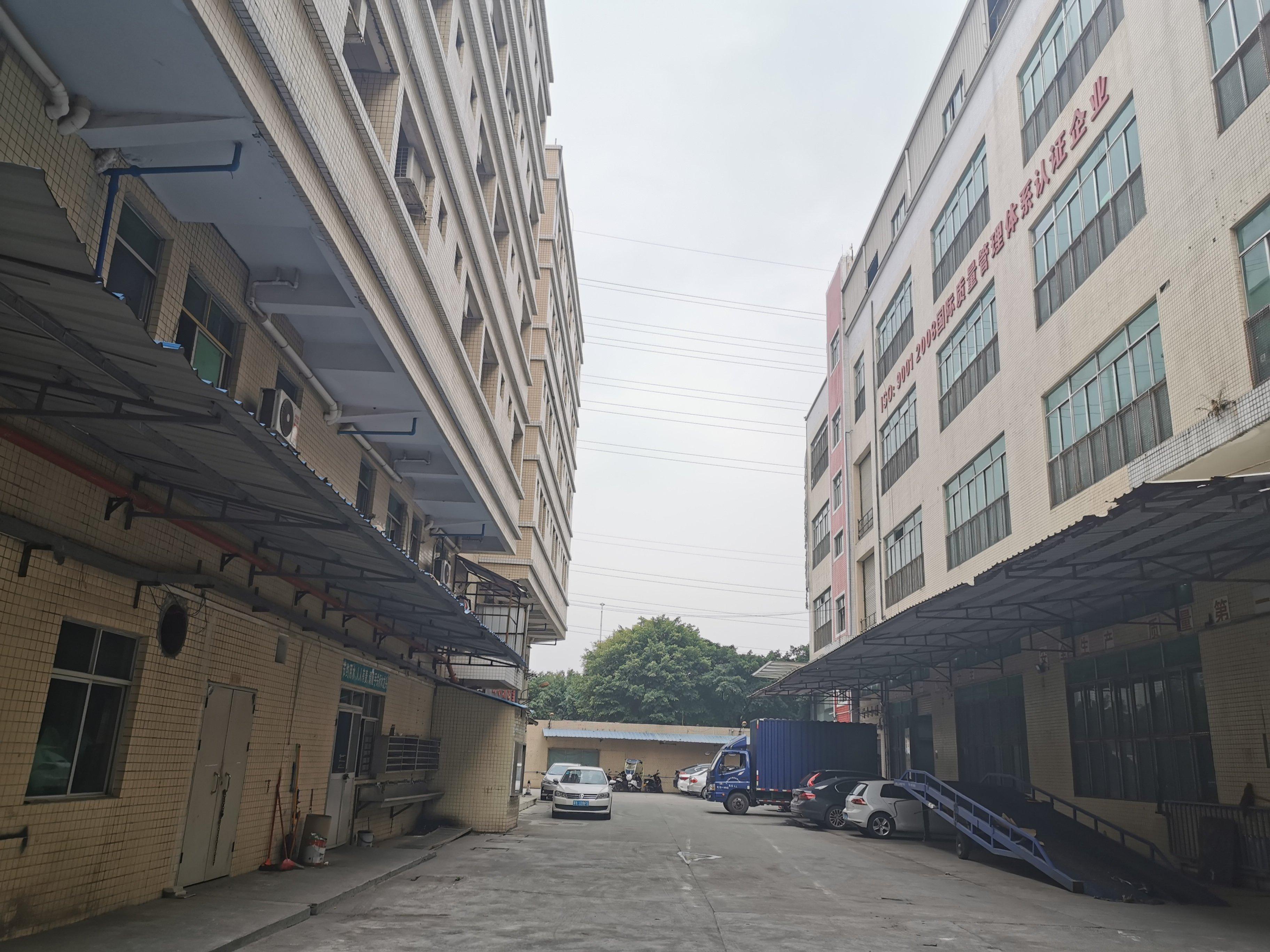 增城新塘镇广深大道新出标准厂房一二楼出租,证件齐全,可办环评