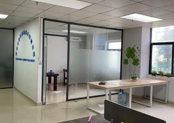 五和地铁口口,100米,小面积120平,精装修带办公家具出租图片4