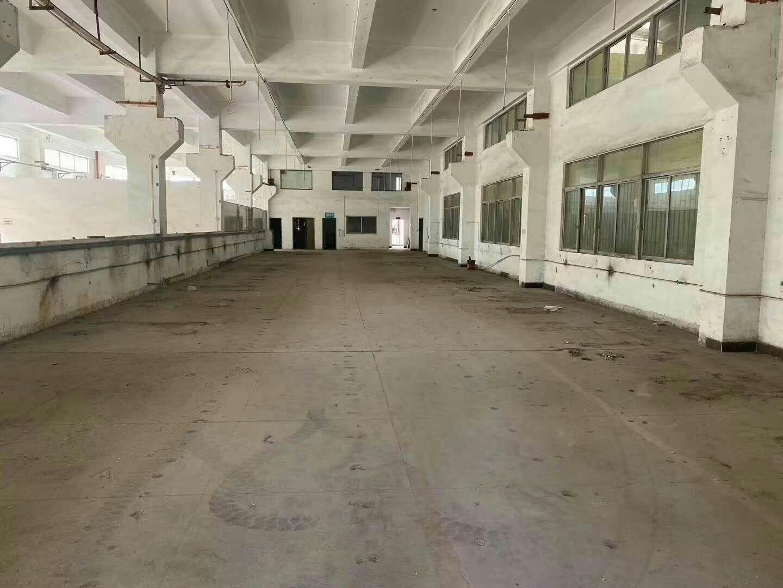 楼房一楼仓库1000平方,可分租,小面积可租,挂车可进车间