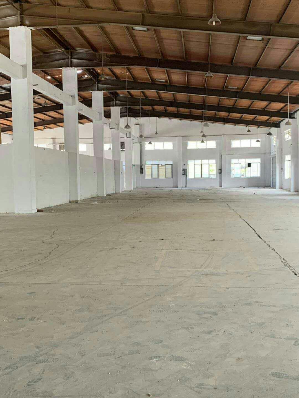 单一层仓库砖墙到顶带隔热,1000平方可小面积分租,挂车可进