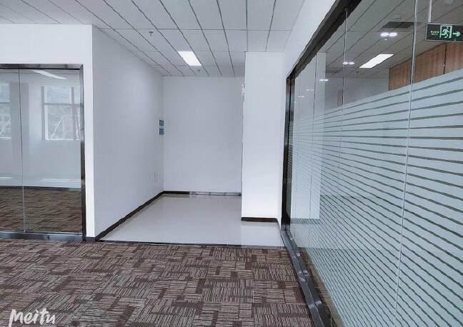 坂田杨美地铁站附近三楼电商产业园精装修厂房仓库300平方出租