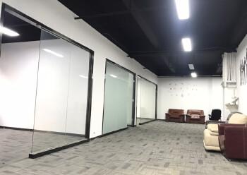 西乡新出410平米精装写字楼,3加2隔间35元出租图片5