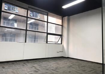 西乡新出410平米精装写字楼,3加2隔间35元出租图片4