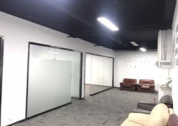 西乡新出410平米精装写字楼,3加2隔间35元出租图片6