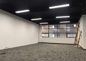 西乡新出410平米精装写字楼,3加2隔间35元出租图片3