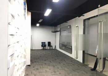 西乡新出410平米精装写字楼,3加2隔间35元出租图片2