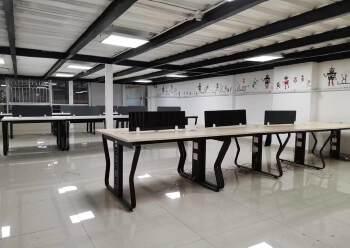 清湖地铁站卫东龙大厦新出精装修368平办公室图片3