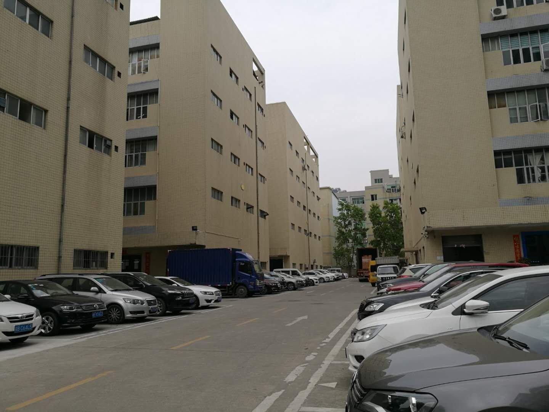 西乡固戍地铁口附近大型工业园楼上带装修600平米厂房仓库出租