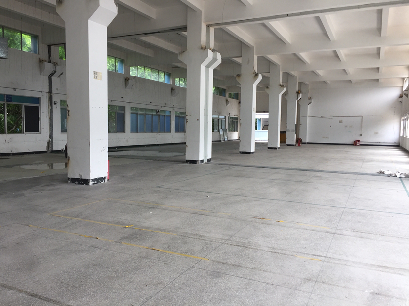 布吉原房东红本厂房一楼2100平
