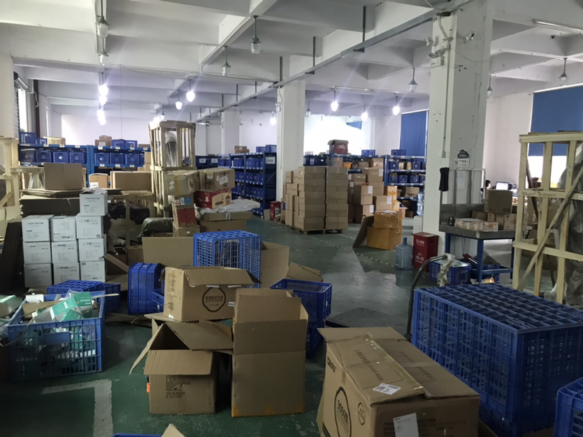 龙华汽车站附近大型工业园1400平带装修电商厂库7加1格局-图6