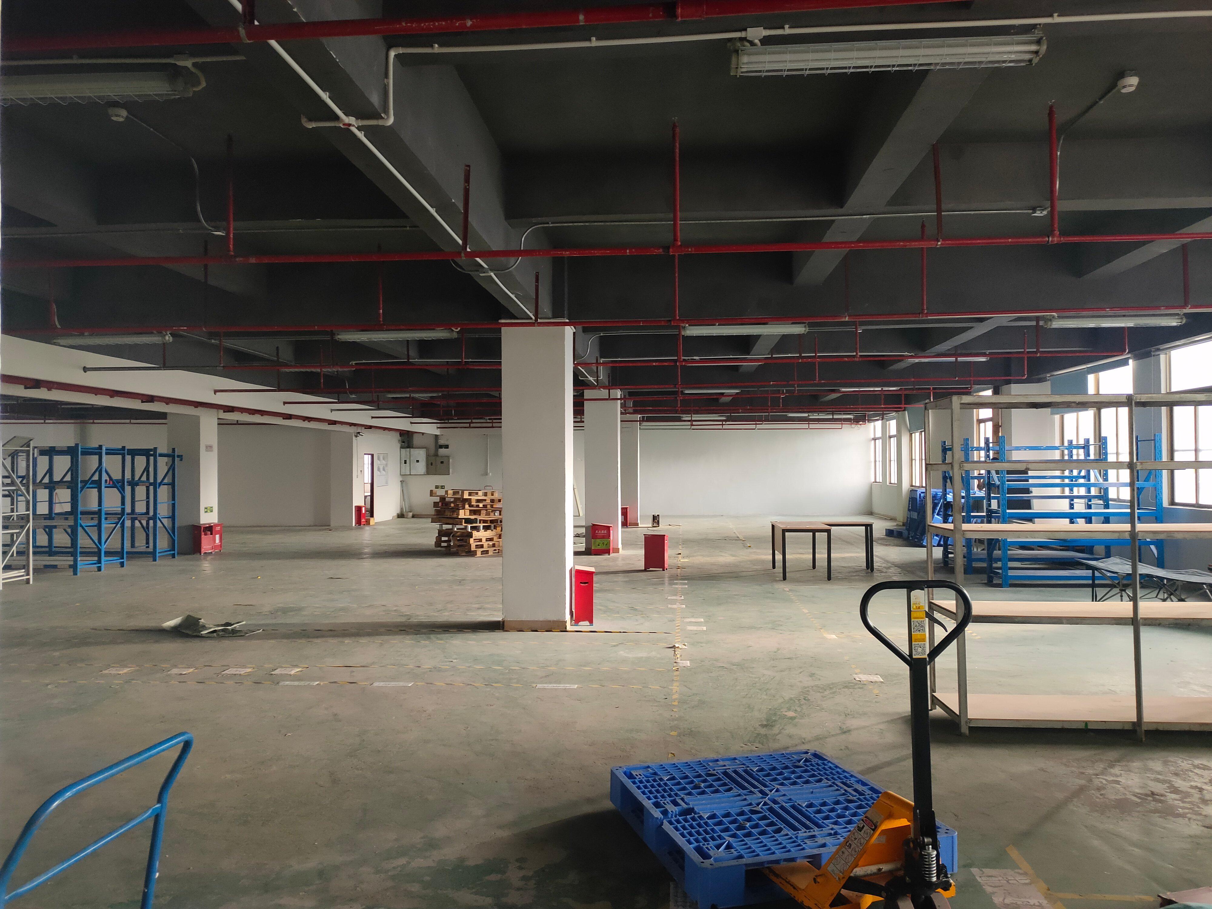龙华油松楼上整层1500平仓库厂房出租大小面积可分租