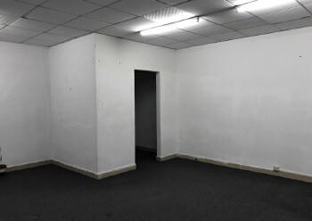 民冶使用率极高的军字楼110平45块原房东直招图片1